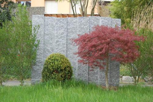 Palisaden aus Tessinergneis hell Iragna, 25 cm breit