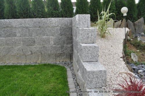Mauerstein Lego Tessinergneis hell Sichtkopfe grob handgespitzt